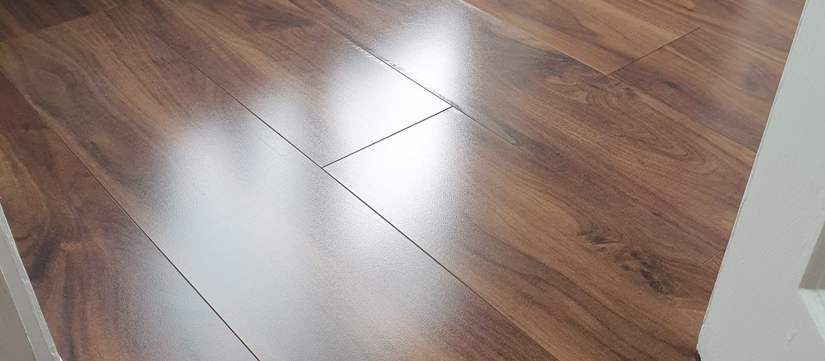 Laminate Floor Cleaning / Laminate Floor Polishing
